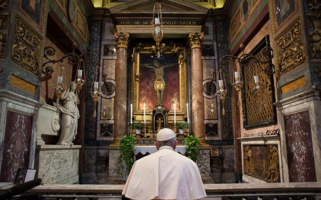 Las dos oraciones del Papa para invocar el «fin de la pandemia»