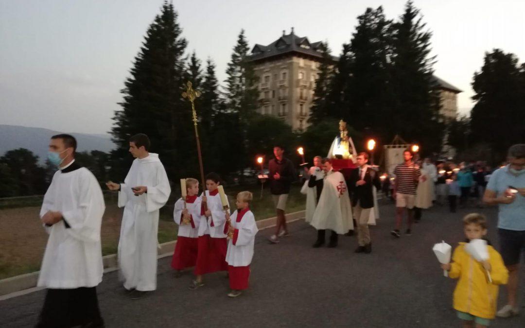 Asistencia a la procesión mariana de Font-Romeu